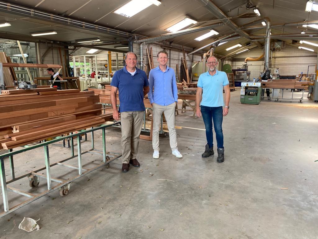 Aannemersbedrijf Van den Brandhof neemt Luned Machinale Houtbewerking over.